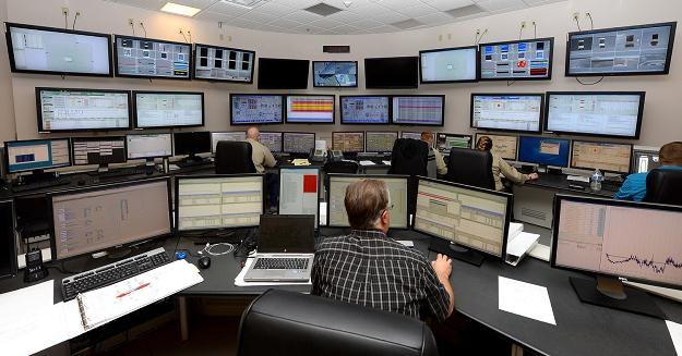 IRL Polska planuje importować i eksportować energię elektryczną /AFP
