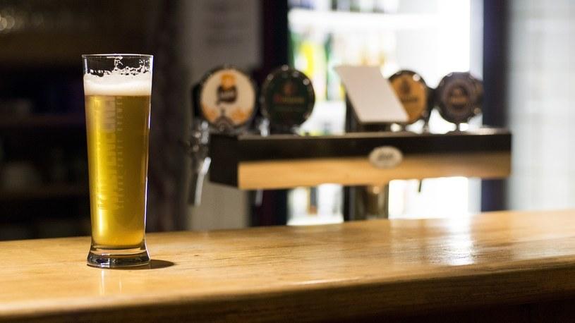 Irlandzkie piwo w pubie? W tym kraju napiją się go tylko zaszczepieni i ozdrowieńcy /Pixabay /Archiwum