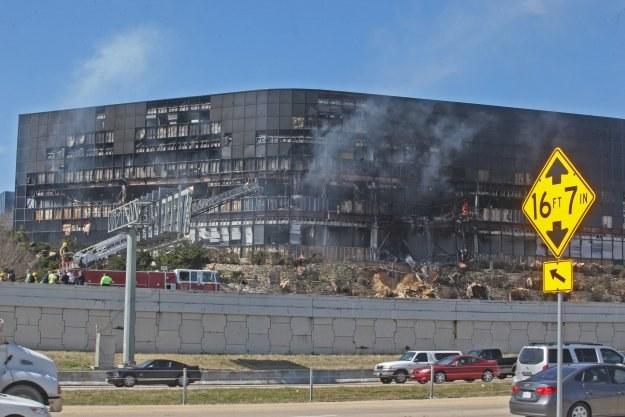IRS - urząd podatkowy - w Austin po ataku desperata Andrew Joe Stacka /AFP