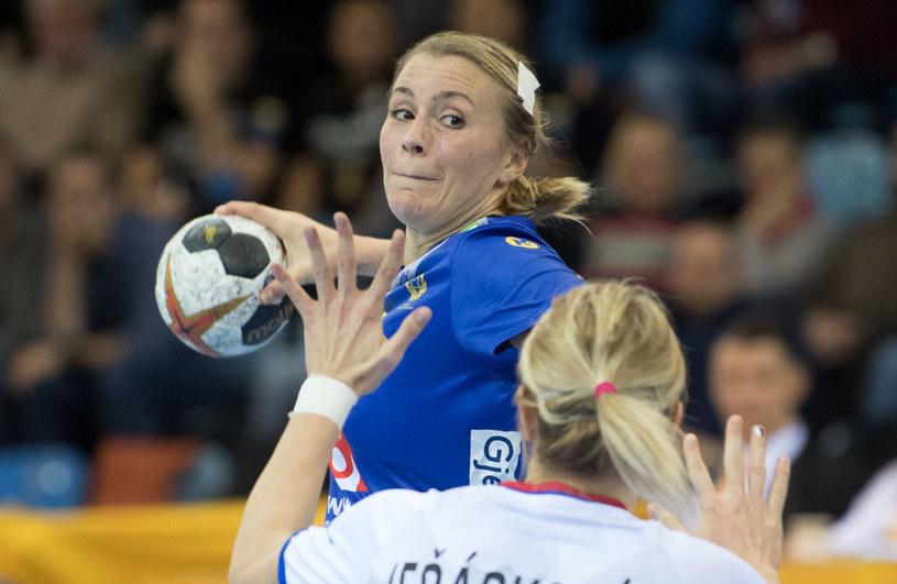 Isabelle Gullden z piłką /AFP