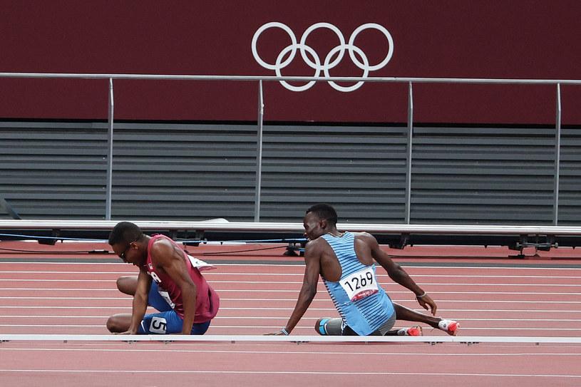 Isaiah Jewett i Nijel Amos podczas biegu półfinałowego /AFP