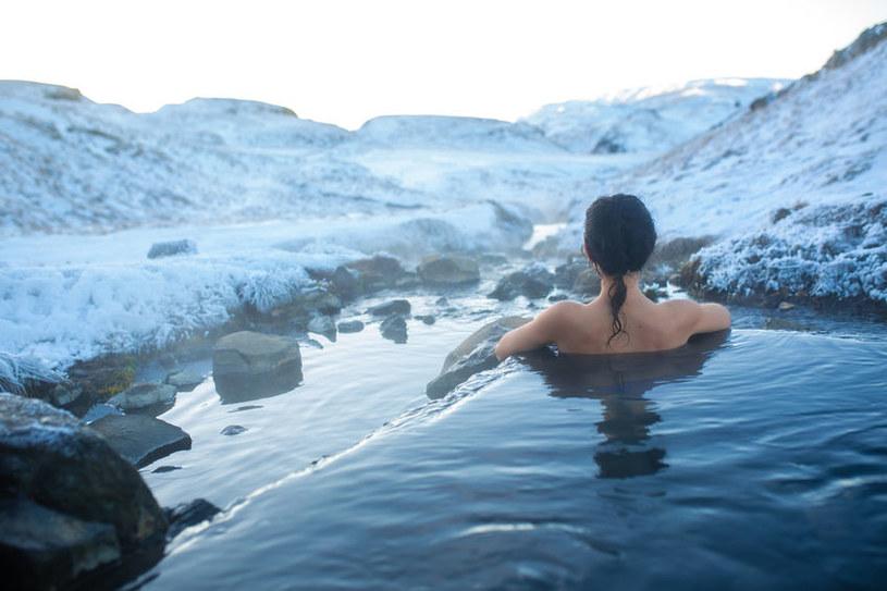 Islandczycy kąpieli zażywają o każdej porze roku /123RF/PICSEL