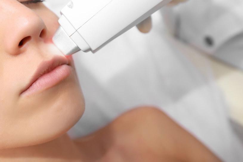 Istnieją przeciwskazania, które uniemożliwiają wykonanie zabiegu laserowego usuwania włosów. /123RF/PICSEL