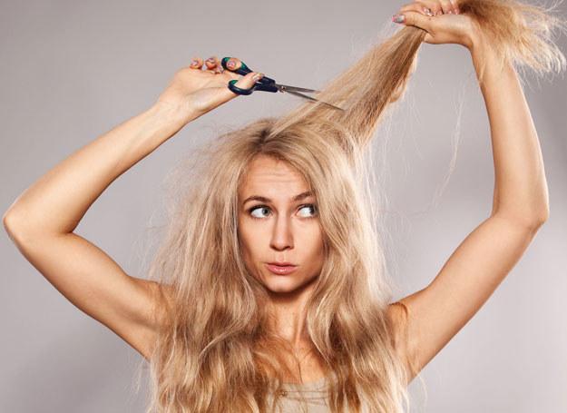 Istnieją sposoby na problem z niesfornymi włosami /123RF/PICSEL