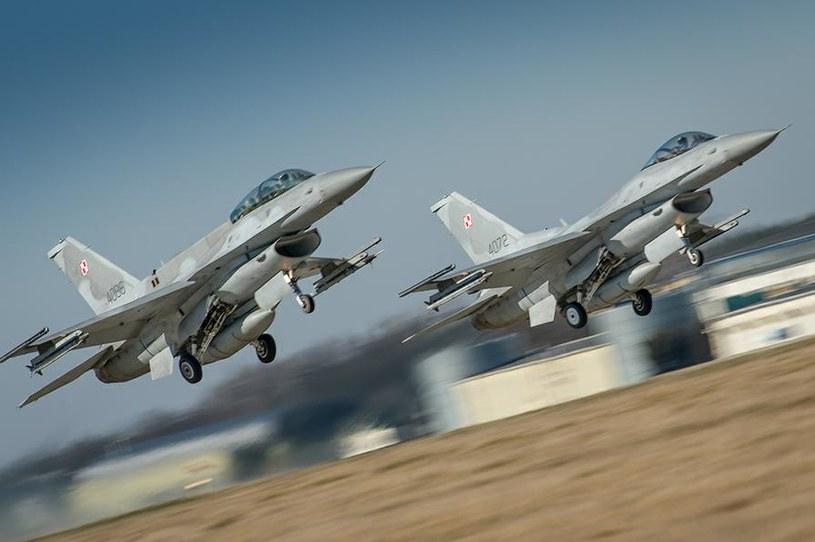 Istnieje możliwość, że w przyszłym roku rozpocznie się realizacja programu modernizacji polskich F-16, w ramach którego otrzymają one pociski manewrujące JASSM. Fot. st. chor. Arkadiusz Dwulatek/CCDORSZ /Defence24