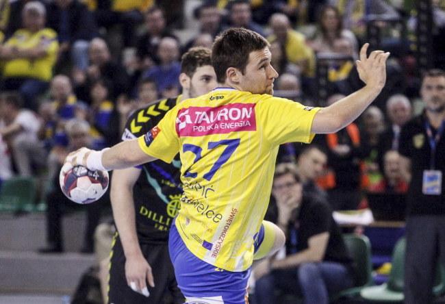 Ivan Czupić (z piłką) grał przeciwko Dunkierce /Michał Walczak /PAP