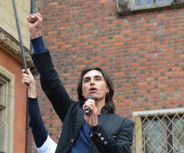 Ivan Komarenko twarzą protestów antycovid. Tak podsumował go były kolega z grupy Ivan i Delfin