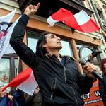 Ivan Komarenko twarzą protestów antycovid. Wokalista gościem Marszu o Wolność w Poznaniu