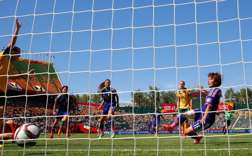 Iwabuchi strzela gola Australijką /AFP