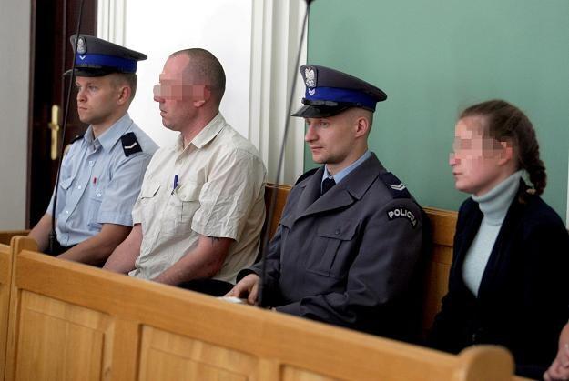 Iwona C. (P) i Rafał I. (2L) w Sądzie Okręgowym w Kielcach / fot. Piotr Polak /PAP