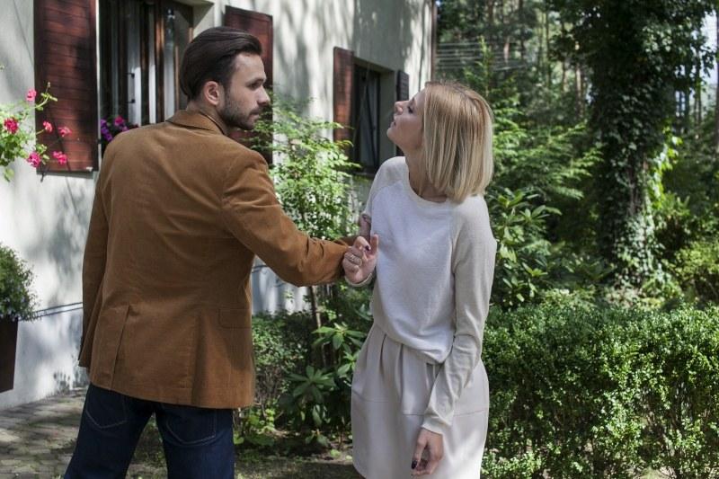 Iwona chce rozwodu z Alkiem, bo zakochała się w innym. Mężczyzna reaguje agresją! /Agencja W. Impact