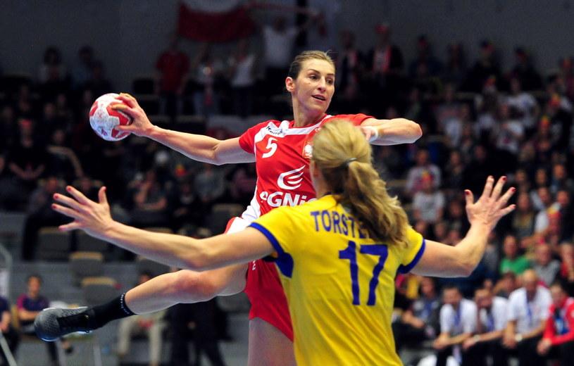 Iwona Niedźwiedź w meczu ze Szwecją /Fot. Marcin Bielecki /PAP