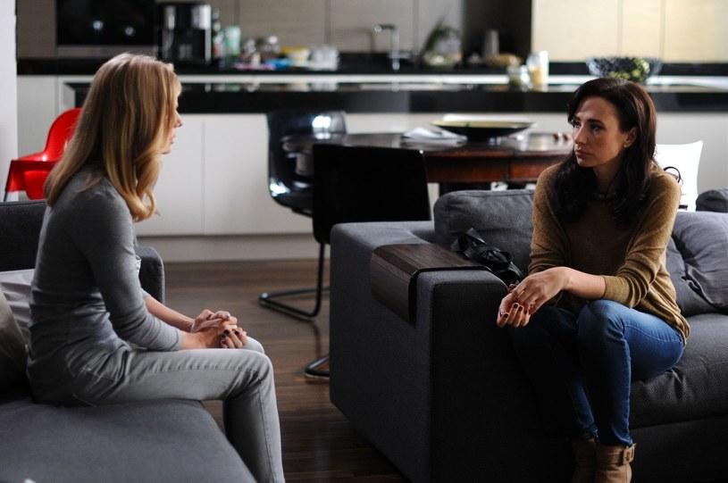 Iwona umawia się z Marzeną. Chce porozmawiać o przyszłości Krzysia i tym, jaki wpływ na jej rodzinę będą miały decyzje Przybylskiej. /Polsat
