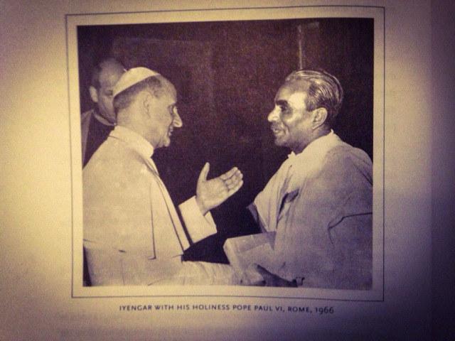Iyengar na spotkaniu z papieżem Pawłem VI /Styl.pl