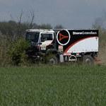 Iza i duża ciężarówka