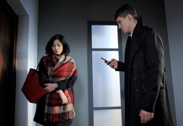 Iza odkryje, że mieszkanie Marcina nie jest jeszcze gotowe na przyjęcie Szymka. /Agencja W. Impact