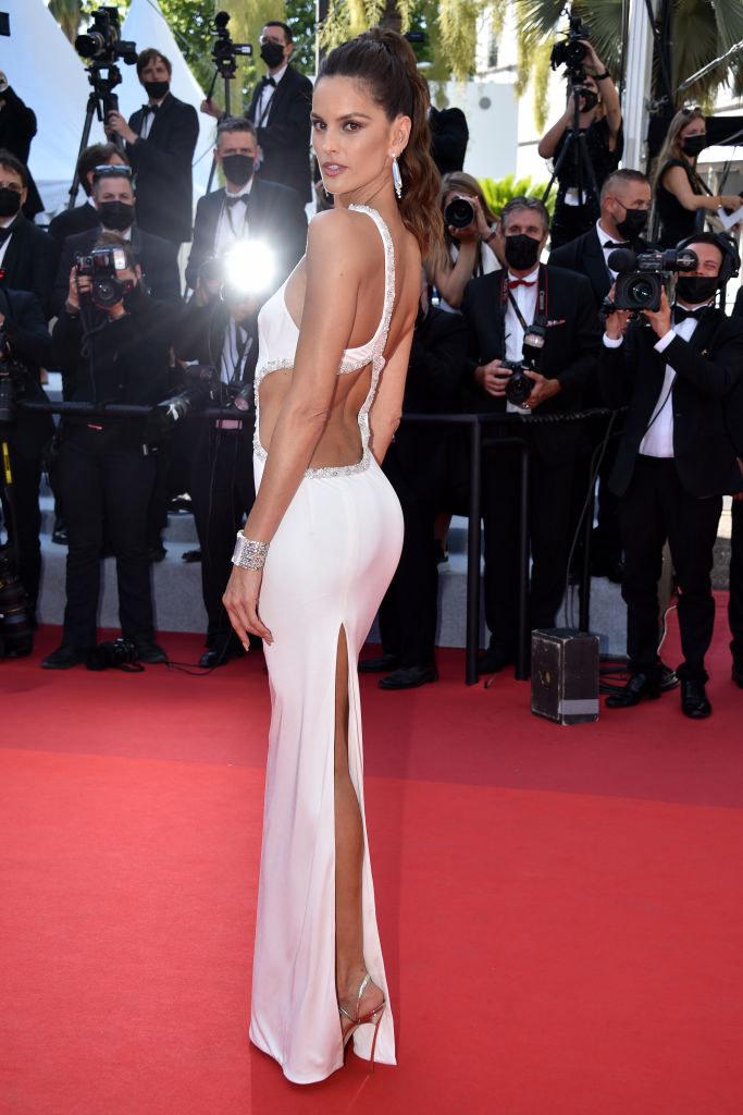 Izabel Goulart podczas festiwalu filmowego w Cannes / Lionel Hahn / Contributor /Getty Images