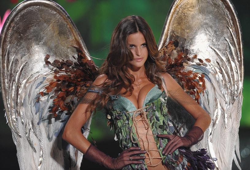 Izabel Goulart w 2009 roku. Już na pierwszy rzut oka widać, że to aniołek Victoria's Secret /Dimitrios Kambouris / Staff /Getty Images