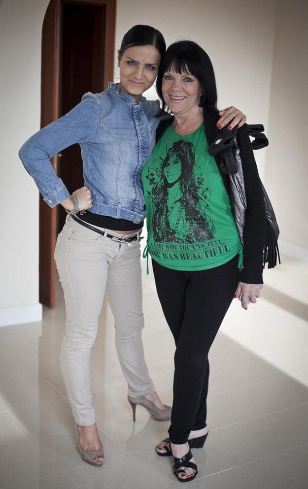 Izabela Skrybant z córką Kasią /Maciej Kulczyński /East News