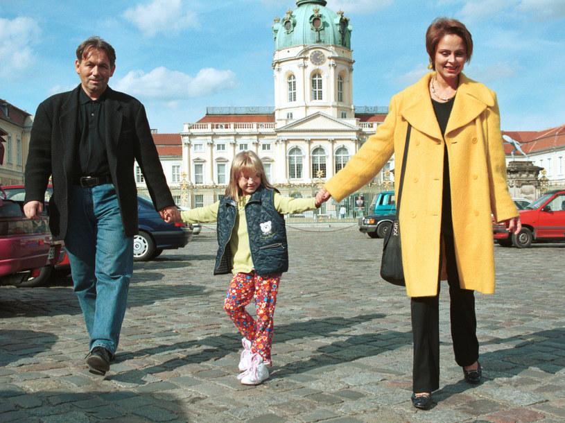 Izabela Trojanowska z rodziną /Żyburtowicz /AKPA
