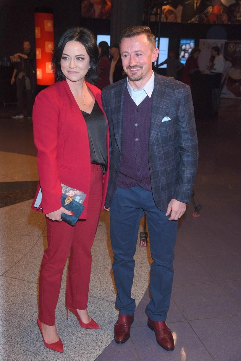 Izabelę i Adama Małyszów najczęściej widzimy w strojach sportowych /Tricolors /East News