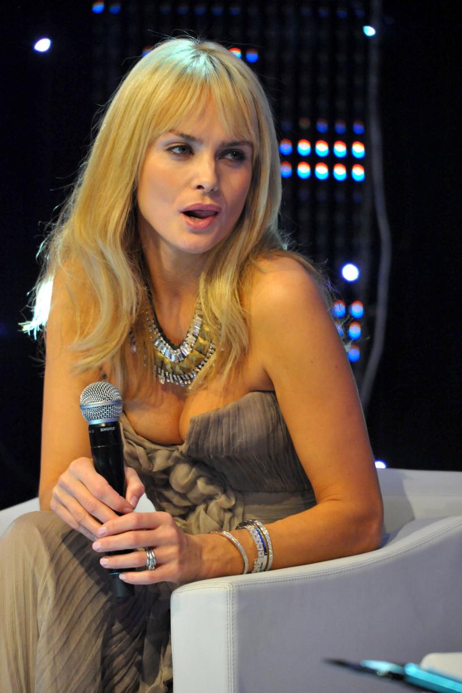 Izabella Scorupco była polskim symbolem seksu. W 1995 roku gwiazda została dziewczyną Bonda. Aktorka wcieliła się w postać Natalii Simonovej, dla której głowę stracił sam agent 007 /Maciej Gostynski/SE /East News