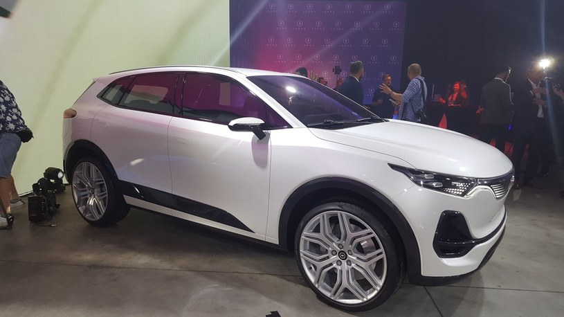 Izera SUV /