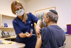 Izrael: Osoby po 60. roku życia dostaną trzecią dawkę szczepionki