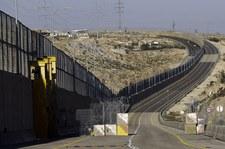 Izrael: Otwarto autostradę rozdzieloną murem na dwie części