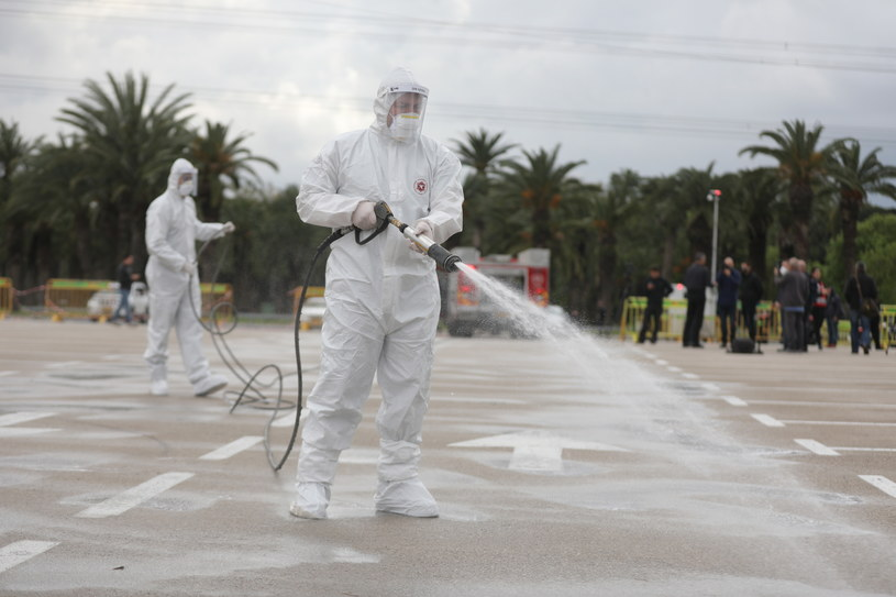 Izrael: Pierwszy zgon z powodu koronawirusa /ABIR SULTAN /PAP