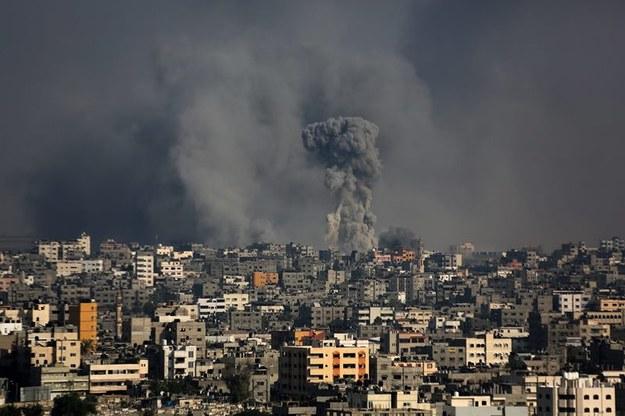 Izrael prowadzi ostrzał Strefy Gazy /MOHAMMED SABER  /PAP/EPA