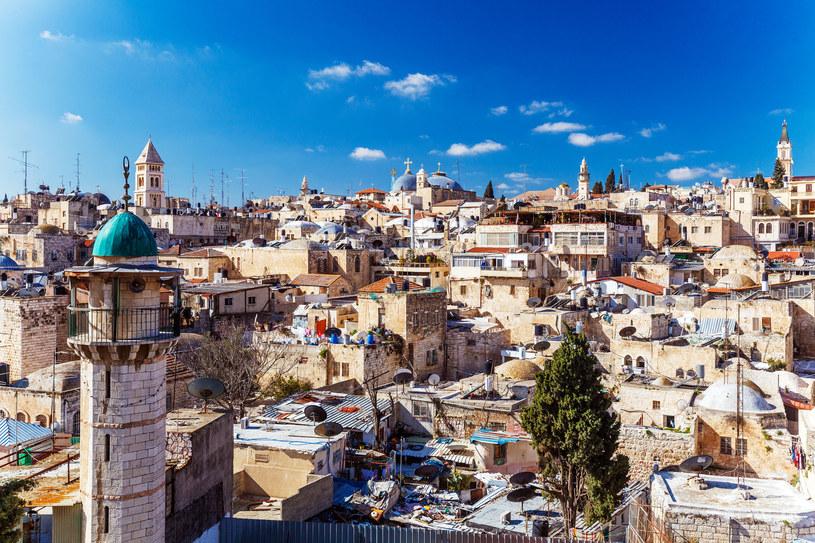 Izrael słynie nie tylko z pięknych widoków, ale również doskonałej kuchni! /123RF/PICSEL