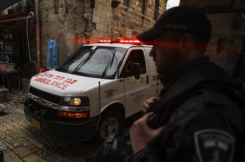 Izraelska policja zabiła napastnika z nożem w Jerozolim /AHMAD GHARABLI /AFP