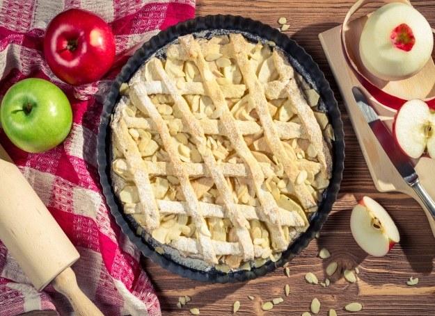Jabłecznik - tego ciasta nie zepsujesz! /123RF/PICSEL