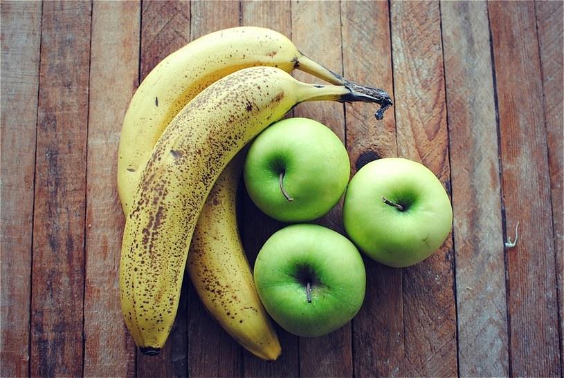 jabłka i banany /© Photogenica