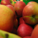 Jabłka w cenie mandarynek. Do lata jeszcze zdrożeją
