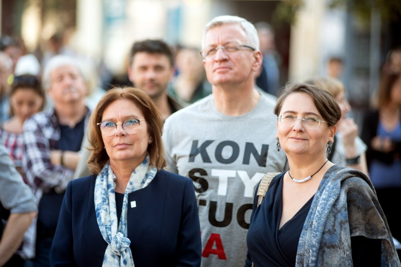 Jacek Jaśkowiak prezydent Poznania i jego żona Joanna Jaśkowiak oraz Małgorzata Kidawa-Błońska. /FORUM