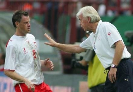 Jacek Krzynówek i Leo Beenhakker Fot. Marek Biczyk /Agencja Przegląd Sportowy