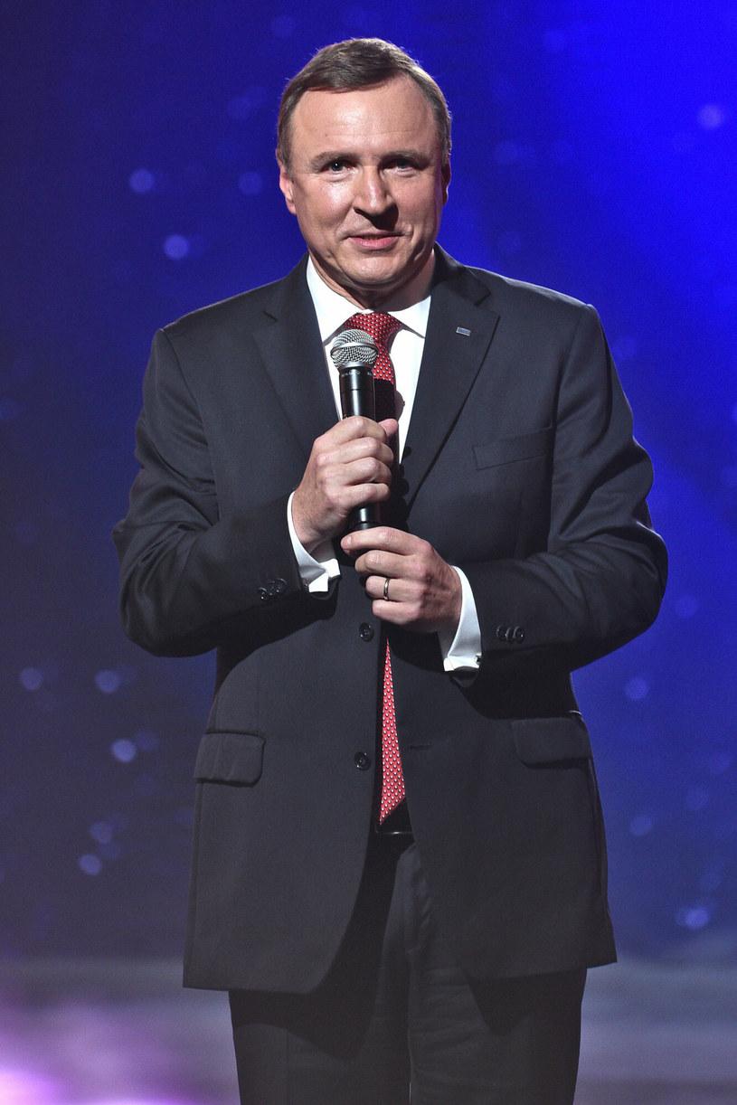 Jacek Kurski po raz kolejny zmienia ramówkę TVP2! /VIPHOTO /East News