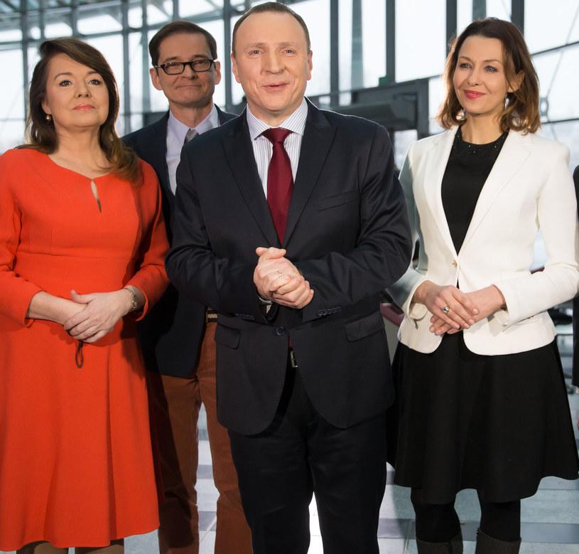 Jacek Kurski ze swoją świtą: Danutą Holecką, Przemkiem Babiarzem i Anną Popek /Krystian Maj /Agencja FORUM