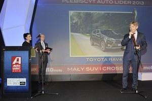 Jacek Pawlak, prezes Toyoty Motor Poland, odebrał nagrodę dla Toyoty RAV4. Marka ta wygrała też w kategorii Innowacja Techniczna (Auris Hybrid). /magazynauto.pl