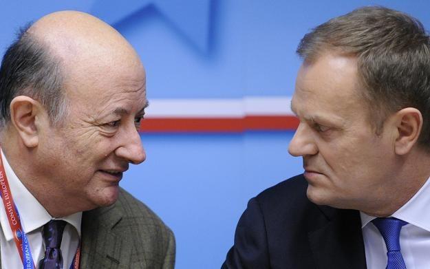 Jacek Rostowski (L) i Donald Tusk (P) /AFP
