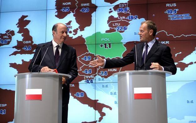 Jacek Rostowski, minister finansów i Donald Tusk, premier rządu RP /AFP