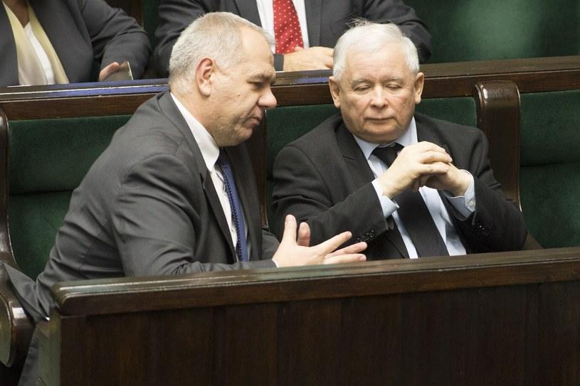 Jacek Sasin i Jarosław Kaczyński /Maciej Luczniewski/REPORTER /East News