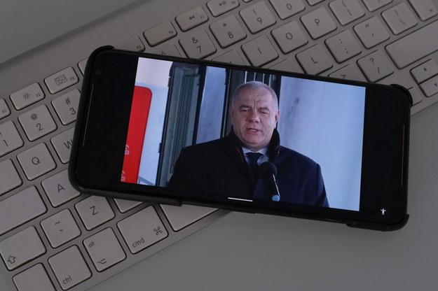 Gowin będzie chciał opuścić rząd? Sasin przeprasza szefa Porozumienia