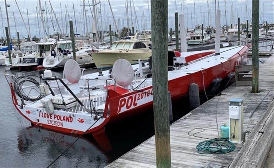 Jacht cumuje na terenie jednej z marin w stanie Rhode Island w USA /Paweł Żuchowski, RMF FM /RMF FM