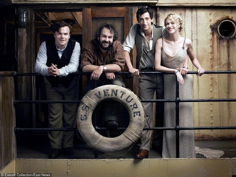 "Jack black, Peter Jackson, Adrien Brody i Naomi Watts na planie filmu ""King Kong"" /Everett Collection /East News"