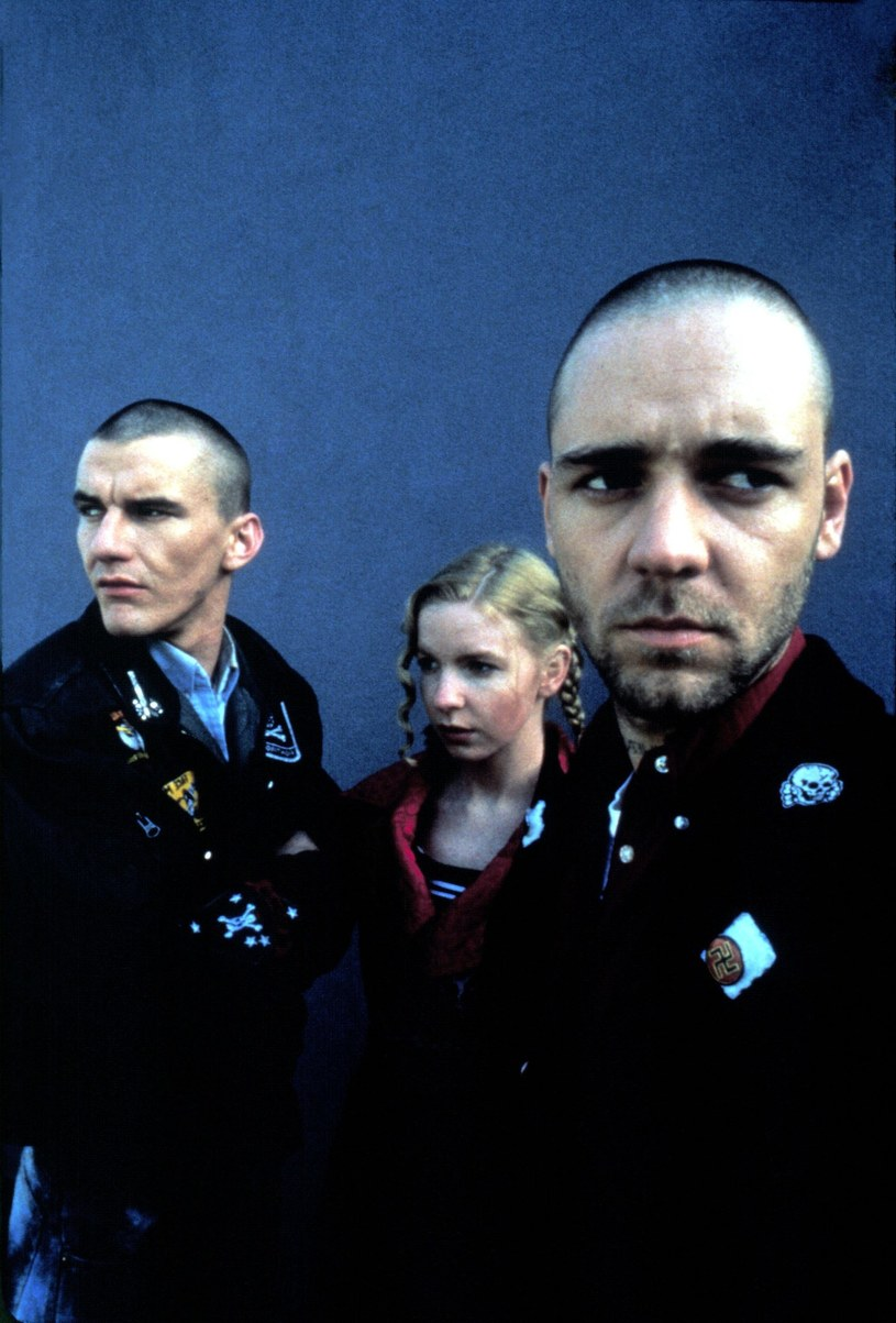 "Jacqueline McKenzie (C) i Russell Crowe (P) w filmie ""Romper Stomper"" /Everett Collection /East News"