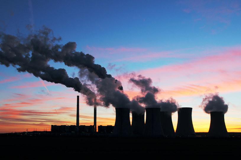 Jacy są najwięksi emitenci CO2? /123RF/PICSEL
