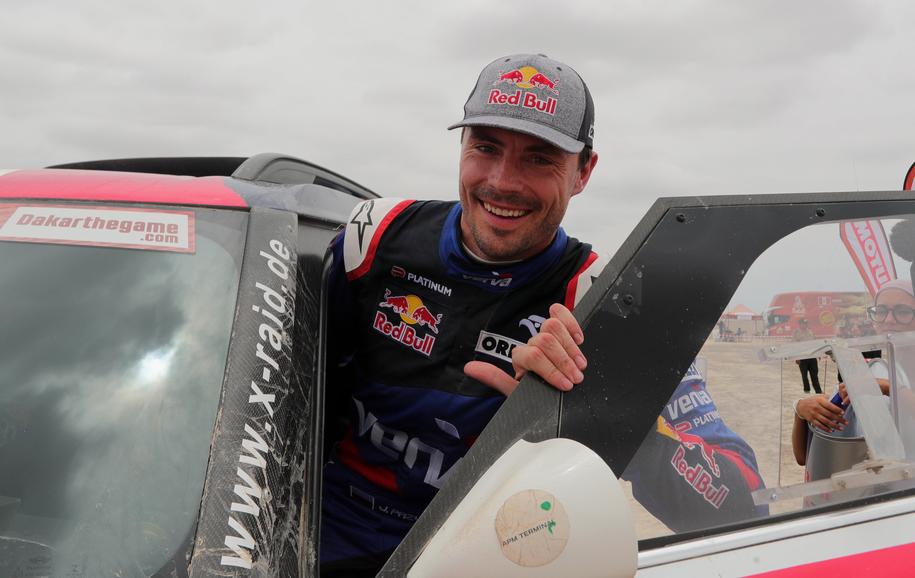 Jadący Mini Jakub Przygoński zajął czwarte miejsce na dziewiątym, przedostatnim etapie Rajdu Dakar /ERNESTO ARIAS /PAP/EPA